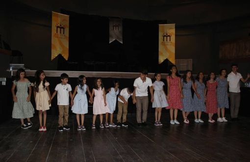 Mezopotamya Caz Müzik ve Dans Kültürü Derneği Mikrofon Programı kapsamında Diyarbakır'da Çocuklarla Swing Dansları Gerçekleştirdi